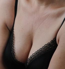 Die kosmetischen Mittel für die Hautpflege der Person